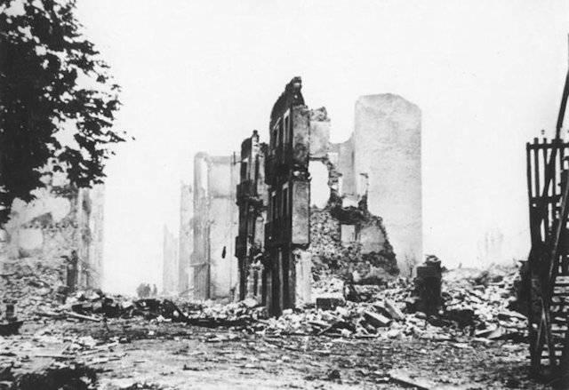 La guerra civile l aviazione tedesca distrusse completamente la