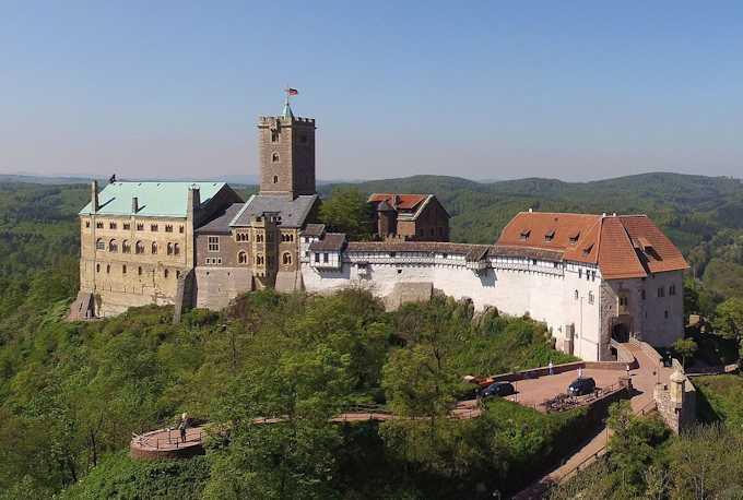 http://www.viaggio-in-germania.de/wartburg1.jpg